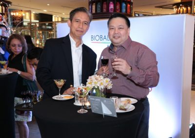 L-R: BioBalance General Manager Alex Fernandez and Dr. Jeff Santos